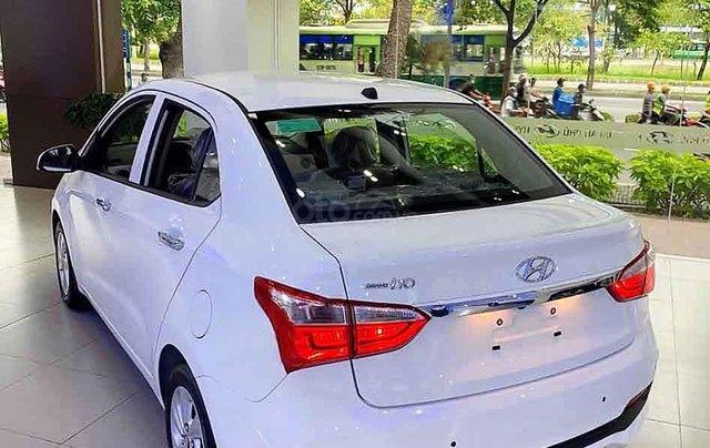 Cần bán xe Hyundai Grand i10 1.2AT năm 2020, màu trắng, giá tốt3