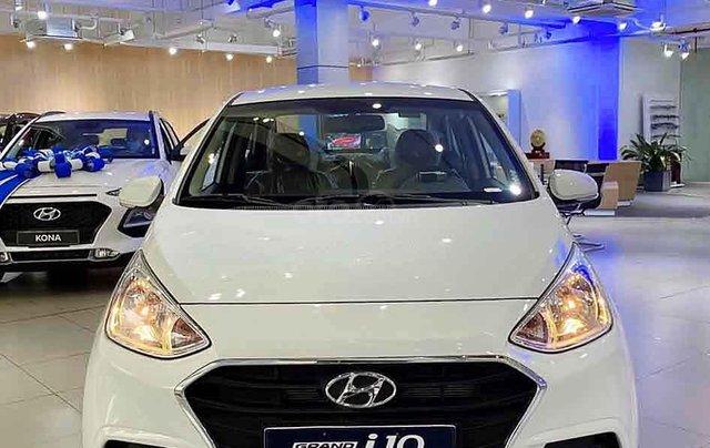 Cần bán xe Hyundai Grand i10 1.2AT năm 2020, màu trắng, giá tốt4