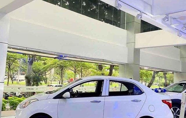 Cần bán xe Hyundai Grand i10 1.2AT năm 2020, màu trắng, giá tốt1