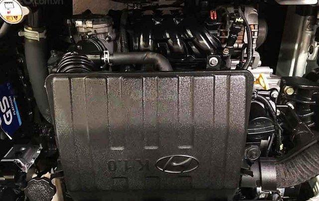 Bán ô tô Hyundai Grand i10 năm sản xuất 2015, màu trắng, nhập khẩu 5