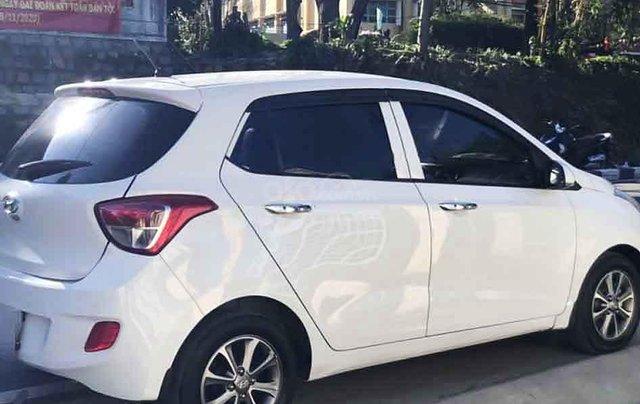 Bán ô tô Hyundai Grand i10 năm sản xuất 2015, màu trắng, nhập khẩu 3