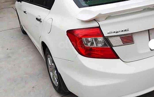 Cần bán Honda Civic sản xuất 2014, màu trắng, nhập khẩu 2