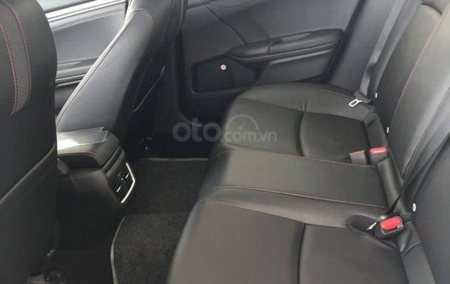 Honda Civic khuyến mãi khủng cuối năm, ưu đãi lên đến 50 triệu đồng cho khách hàng7