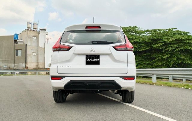 Sở hữu Xpander chỉ từ 110 triệu đồng - tặng 50% thuế trước bạ - khuyến mại bảo hiểm vật chất xe 1 năm 3