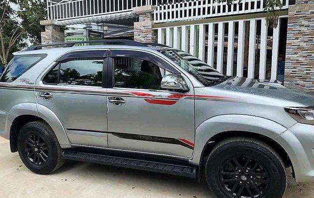 Bán ô tô Toyota Fortuner sản xuất năm 2014, màu bạc, xe gia đình3