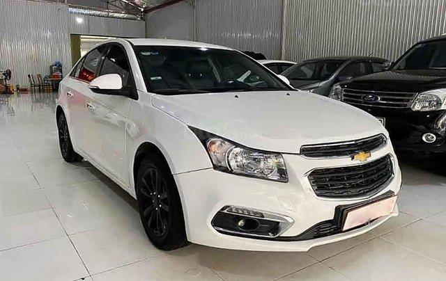 Cần bán lại xe Chevrolet Cruze năm sản xuất 2017, màu trắng0