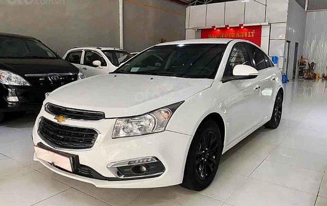 Cần bán lại xe Chevrolet Cruze năm sản xuất 2017, màu trắng2