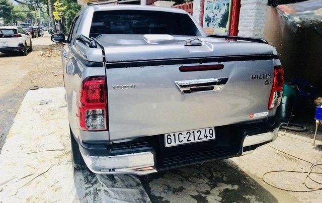 Bán ô tô Toyota Hilux sản xuất năm 2016, màu bạc, nhập khẩu nguyên chiếc số sàn0