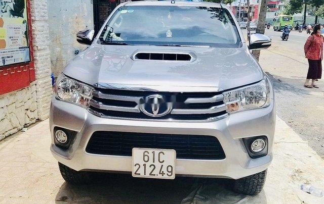 Bán ô tô Toyota Hilux sản xuất năm 2016, màu bạc, nhập khẩu nguyên chiếc số sàn4
