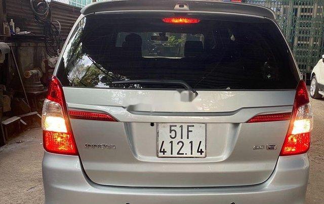 Gia đình bán lại xe Toyota Innova sản xuất 2015, màu bạc1