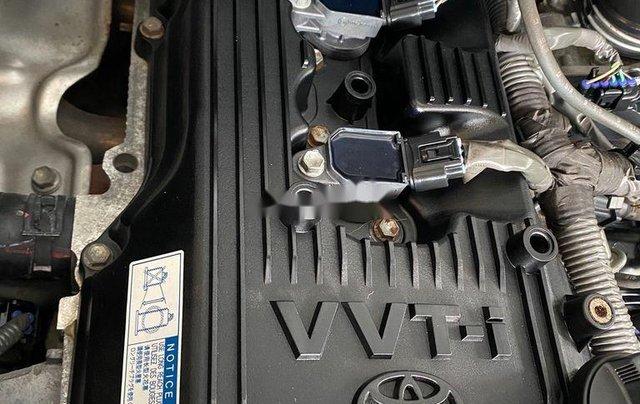 Gia đình bán lại xe Toyota Innova sản xuất 2015, màu bạc10