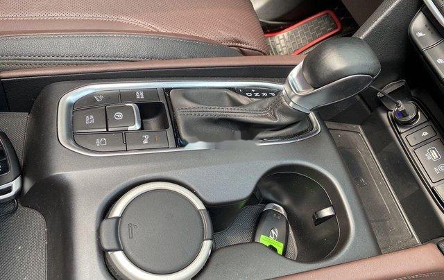 Xe Hyundai Santa Fe năm sản xuất 2020 còn mới4