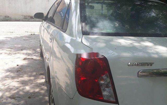 Cần bán lại xe Daewoo Lacetti 2005, màu trắng, nhập khẩu nguyên chiếc, giá chỉ 130 triệu0