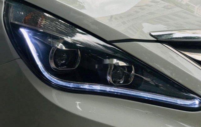 Cần bán Hyundai Sonata đời 2010, màu trắng, xe nhập7