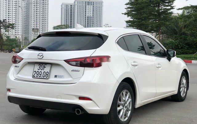Xe Mazda 3 năm 2017, màu trắng, giá 589tr4
