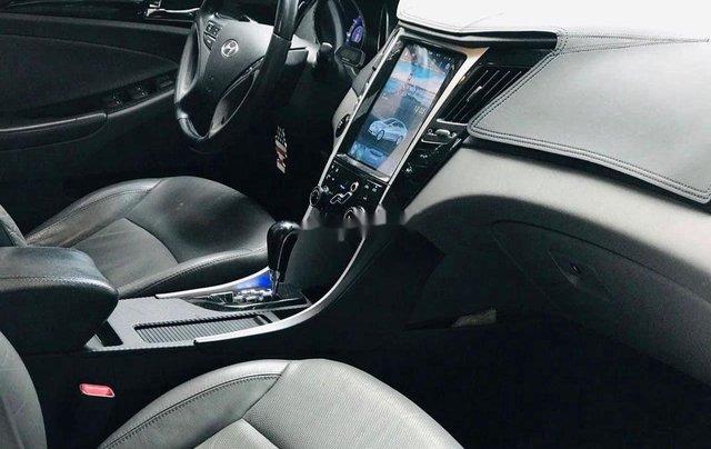 Cần bán Hyundai Sonata đời 2010, màu trắng, xe nhập3