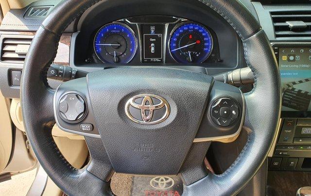 Toyota Camry E ghi vàng 2017, xe bảo dưỡng hãng đầy đủ11
