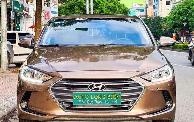 Cần bán Hyundai Elantra đời 2017, màu nâu còn mới, 554 triệu3