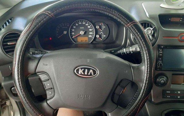 Cần bán lại xe Kia Carens sản xuất năm 2011 còn mới9