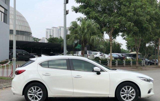 Xe Mazda 3 năm 2017, màu trắng, giá 589tr3