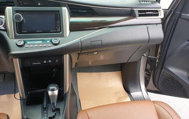Cần bán Toyota Innova sản xuất năm 2016, giá chỉ 695 triệu6
