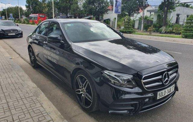 Cần bán Mercedes E300 năm sản xuất 2019, màu đen còn mới1