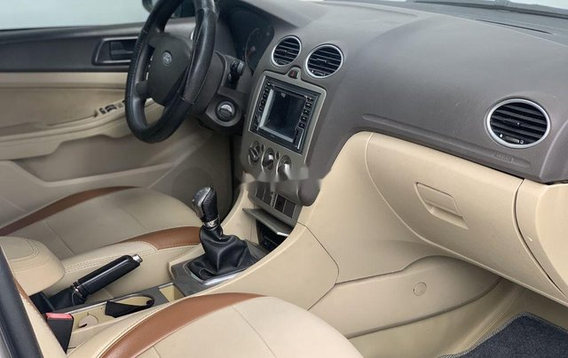Xe Ford Focus 2011, màu ghi chính chủ, giá tốt4