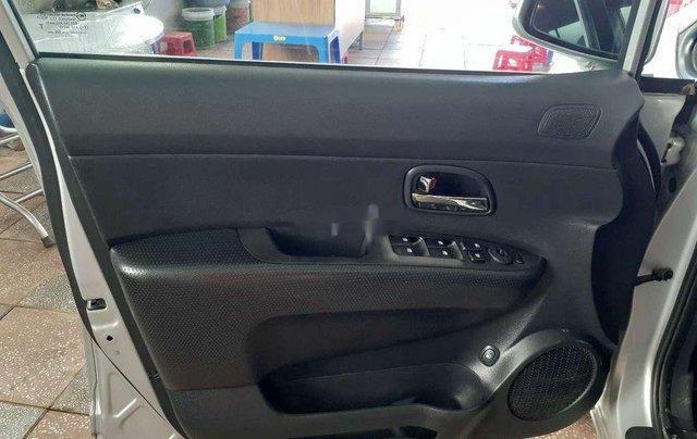 Cần bán lại xe Kia Carens sản xuất năm 2011 còn mới4