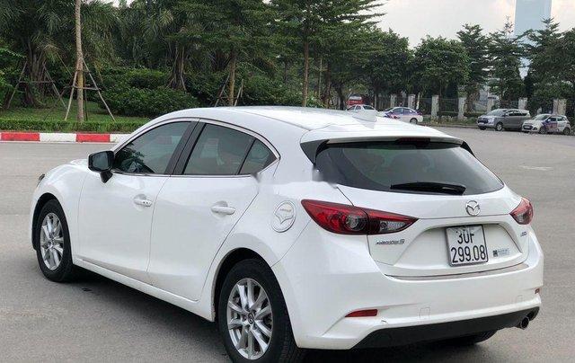 Xe Mazda 3 năm 2017, màu trắng, giá 589tr6