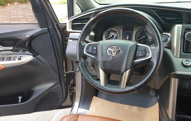 Cần bán Toyota Innova sản xuất năm 2016, giá chỉ 695 triệu5