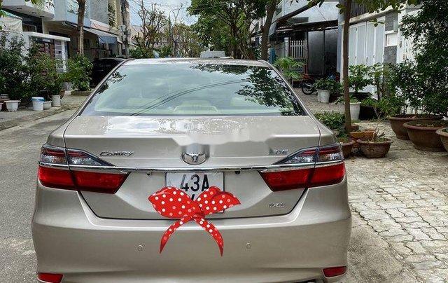 Bán Toyota Camry sản xuất năm 2015 còn mới1