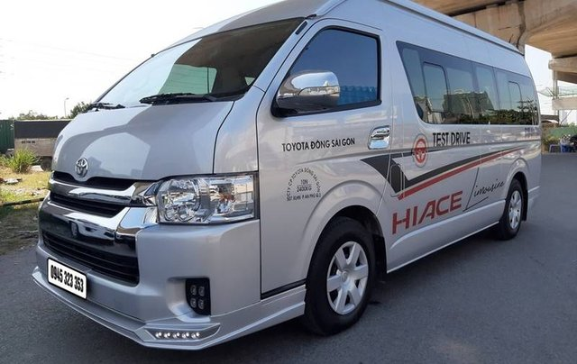 Cần bán gấp Toyota Hiace sản xuất năm 2018 còn mới1