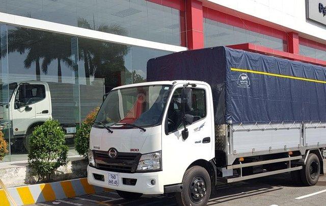 Xe tải Hino 5 tấn - Hino XZU730L thùng dài 5m60