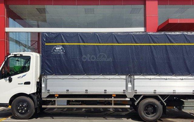 Xe tải Hino 5 tấn - Hino XZU730L thùng dài 5m61