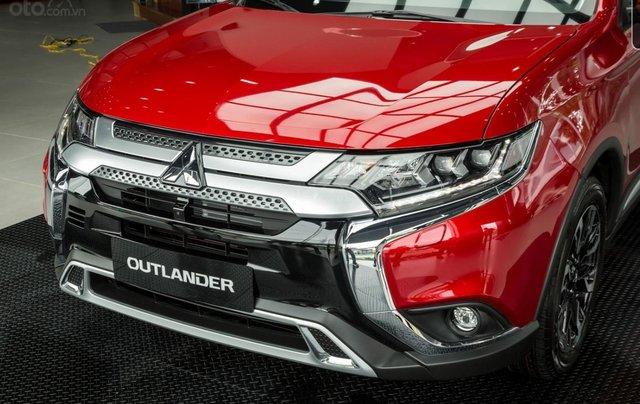 Mitsubishi Outlander giảm 100% phí trước bạ (trong tháng 11)4