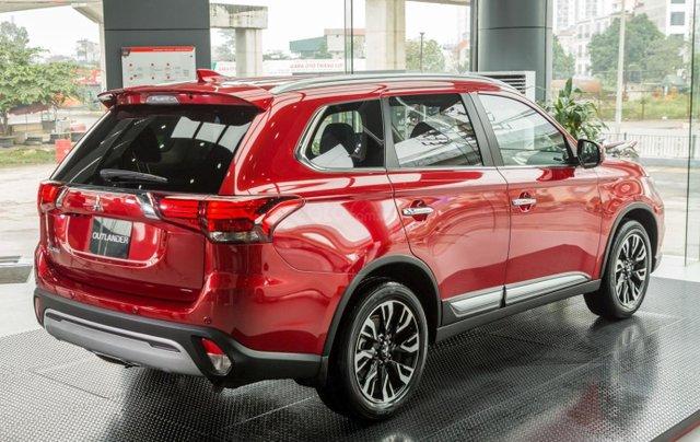 Mitsubishi Outlander giảm 100% phí trước bạ (trong tháng 11)2