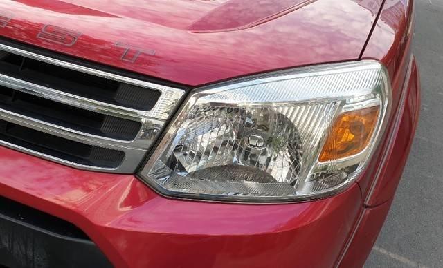Cần bán Ford Everest năm sản xuất 2014, màu đỏ còn mới17
