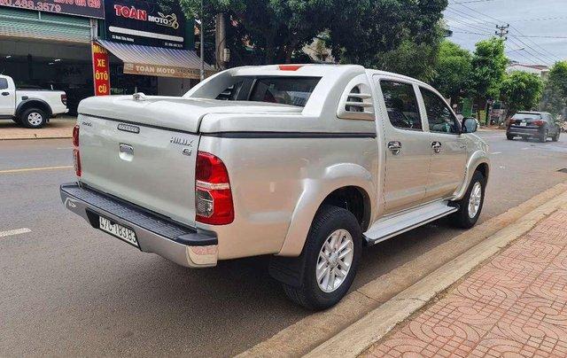 Bán Toyota Hilux sản xuất 2014, nhập khẩu nguyên chiếc3