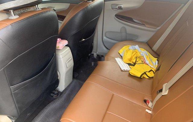 Bán ô tô Toyota Corolla Altis 1.8G đời 2011, màu đen số sàn4
