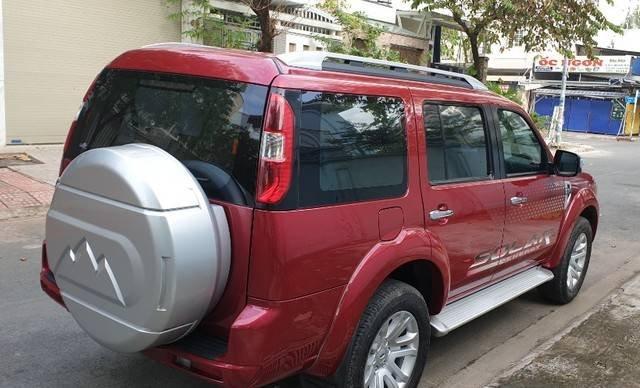 Cần bán Ford Everest năm sản xuất 2014, màu đỏ còn mới7