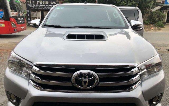 Bán Toyota Hilux 2.5MT năm 2015, màu ghi xám4