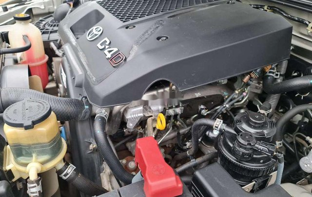 Bán Toyota Hilux sản xuất 2014, nhập khẩu nguyên chiếc10