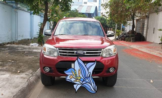 Cần bán Ford Everest năm sản xuất 2014, màu đỏ còn mới2