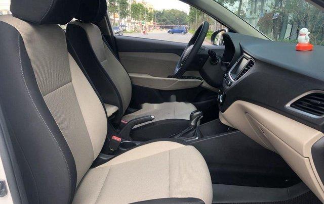 Cần bán lại xe Hyundai Accent sản xuất 2019, màu trắng, giá 499tr4