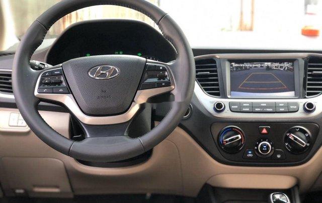 Cần bán lại xe Hyundai Accent sản xuất 2019, màu trắng, giá 499tr2