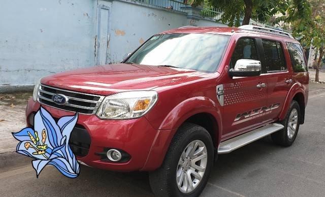Cần bán Ford Everest năm sản xuất 2014, màu đỏ còn mới0
