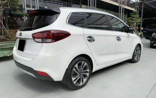 Cần bán xe Kia Rondo sản xuất 2019, màu trắng còn mới, giá chỉ 590 triệu2