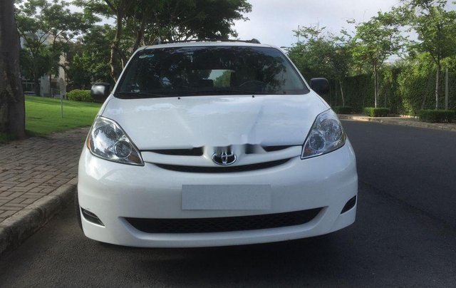 Bán Toyota Sienna năm sản xuất 2009, xe nhập còn mới0