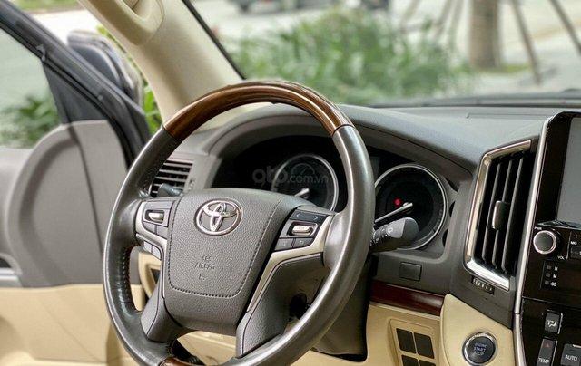 Bán nhanh Toyota LandCruiser VX 2016 xe đẹp như mới nguyên bản5