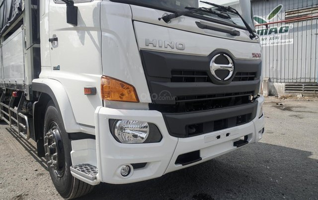 Xe tải Hino FG 8 tấn thùng dài 7m4 trả trước 200tr chìa khóa trao tay6